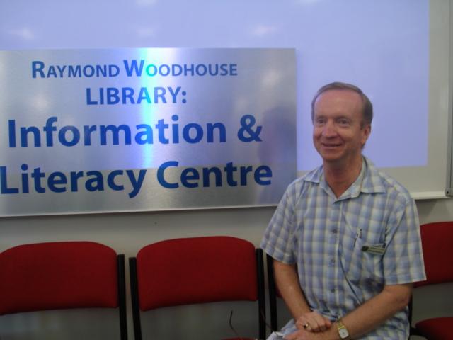 Simon Crean praises Cairns Teacher Librarian | The Hub